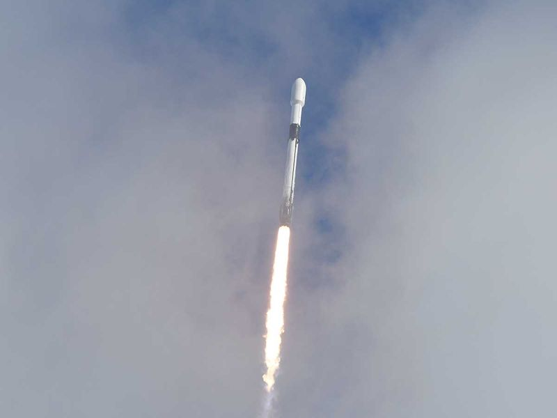 SpaceX launches record number of satellites in single mission