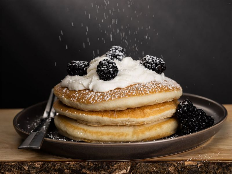 sugar-dusted pancakes