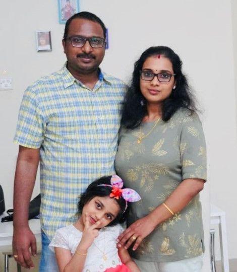 NAT Anu Mohanan -Smitha and daughter Avhni-1611837426967