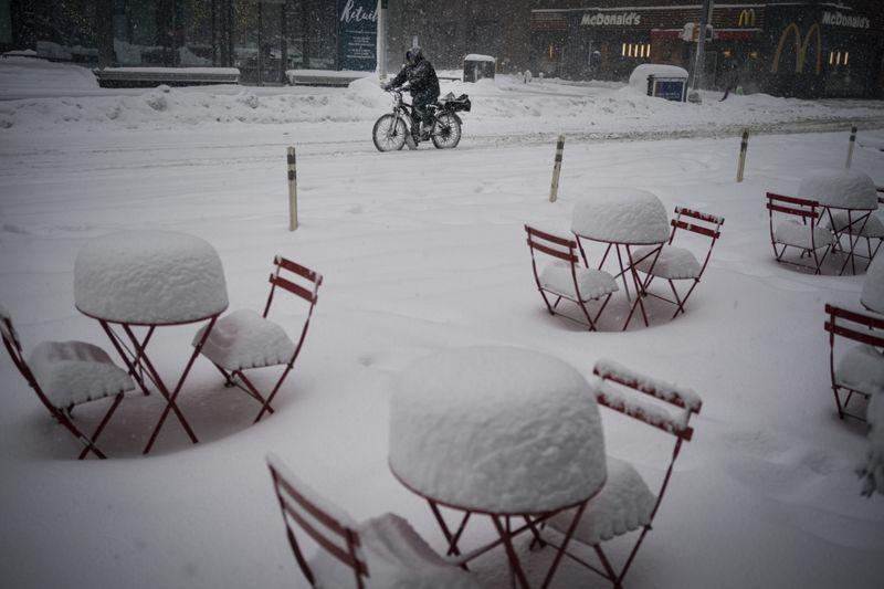 Copy of APTOPIX_Winter_Weather_New_York_38524.jpg-d4434-1612267491107