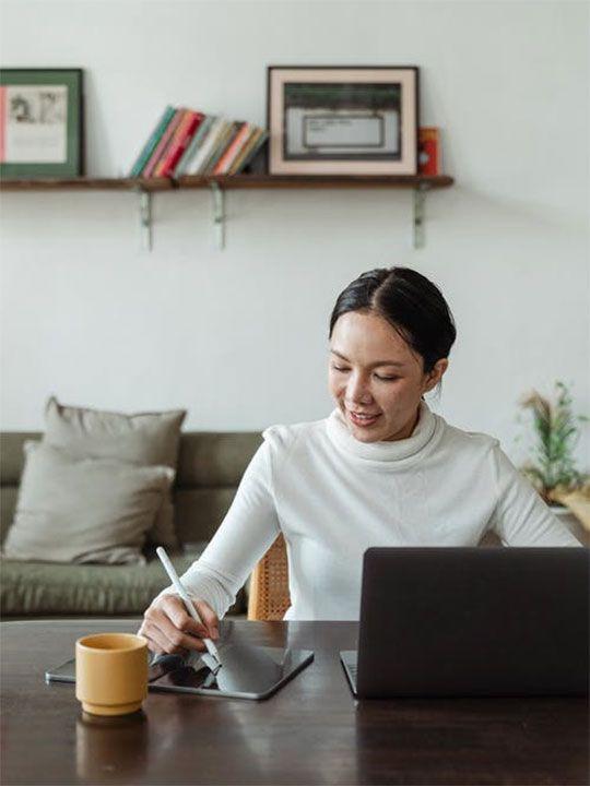 Digital Content Freelancers