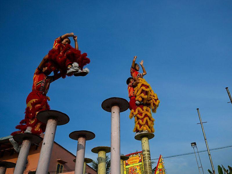 Dragon dance gallery
