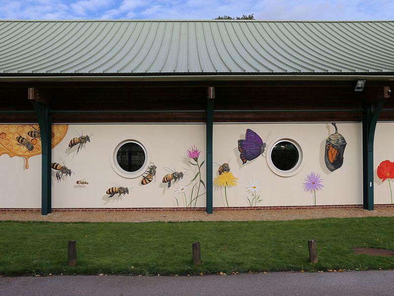 bees mural gallery