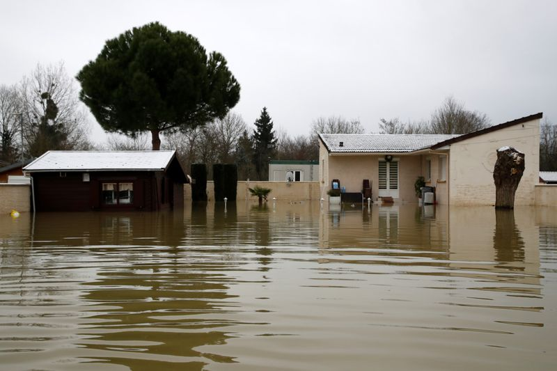 Copy of 2021-02-08T113129Z_218129527_RC2BOL9GOOSN_RTRMADP_3_FRANCE-WEATHER-FLOODS-1612868400320