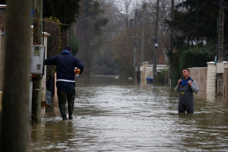 Copy of 2021-02-08T113905Z_1109713481_RC2BOL90T5AE_RTRMADP_3_FRANCE-WEATHER-FLOODS-1612868414827