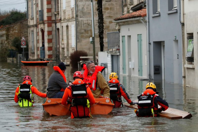 Copy of 2021-02-08T121816Z_2083842868_RC2COL9QX4GQ_RTRMADP_3_FRANCE-WEATHER-FLOODS-1612868423618