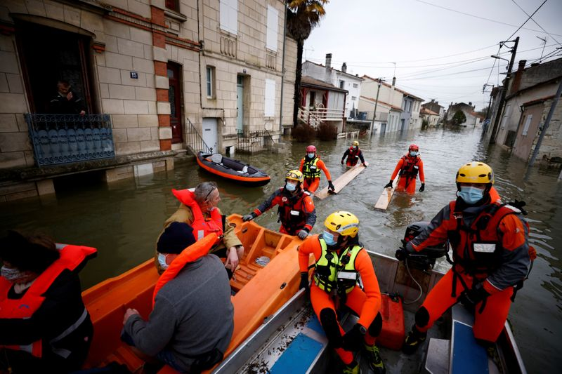 Copy of 2021-02-08T180054Z_920919993_RC2COL9R9ON4_RTRMADP_3_FRANCE-WEATHER-FLOODS-1612868443102