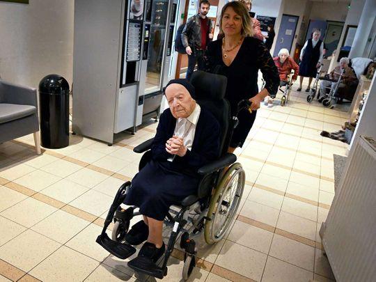 Sister Andre covid France nun