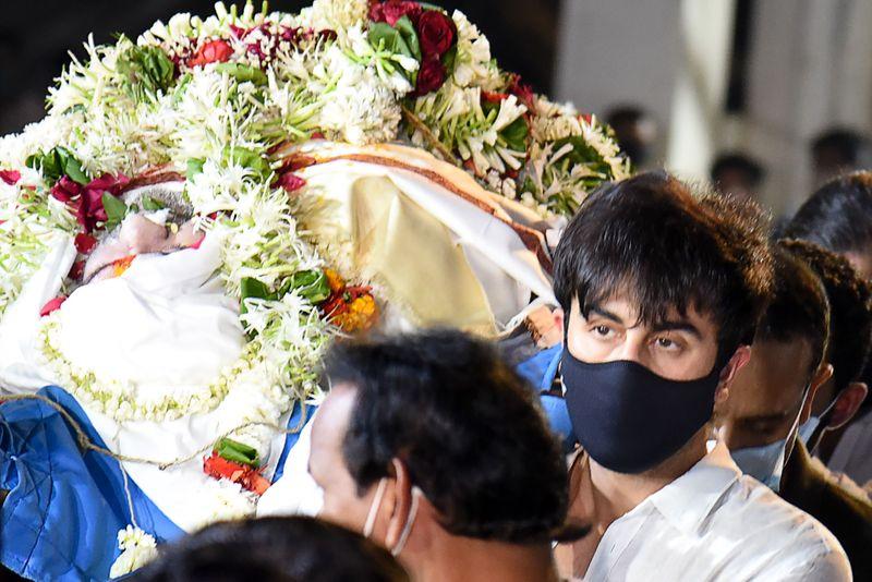Ranbir Kapoor at Rajiv Kapoor's funeral