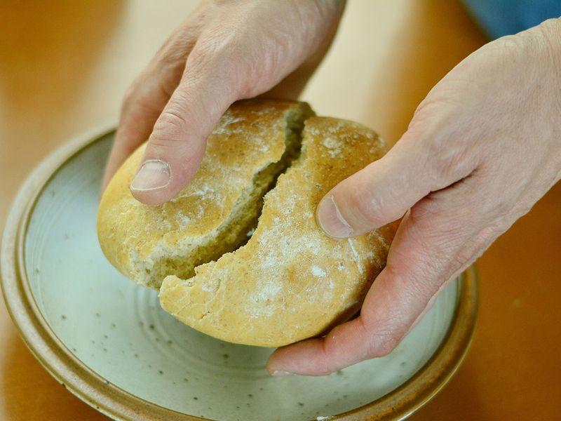 break, bread, hands