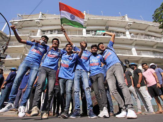 Cricket-Fans