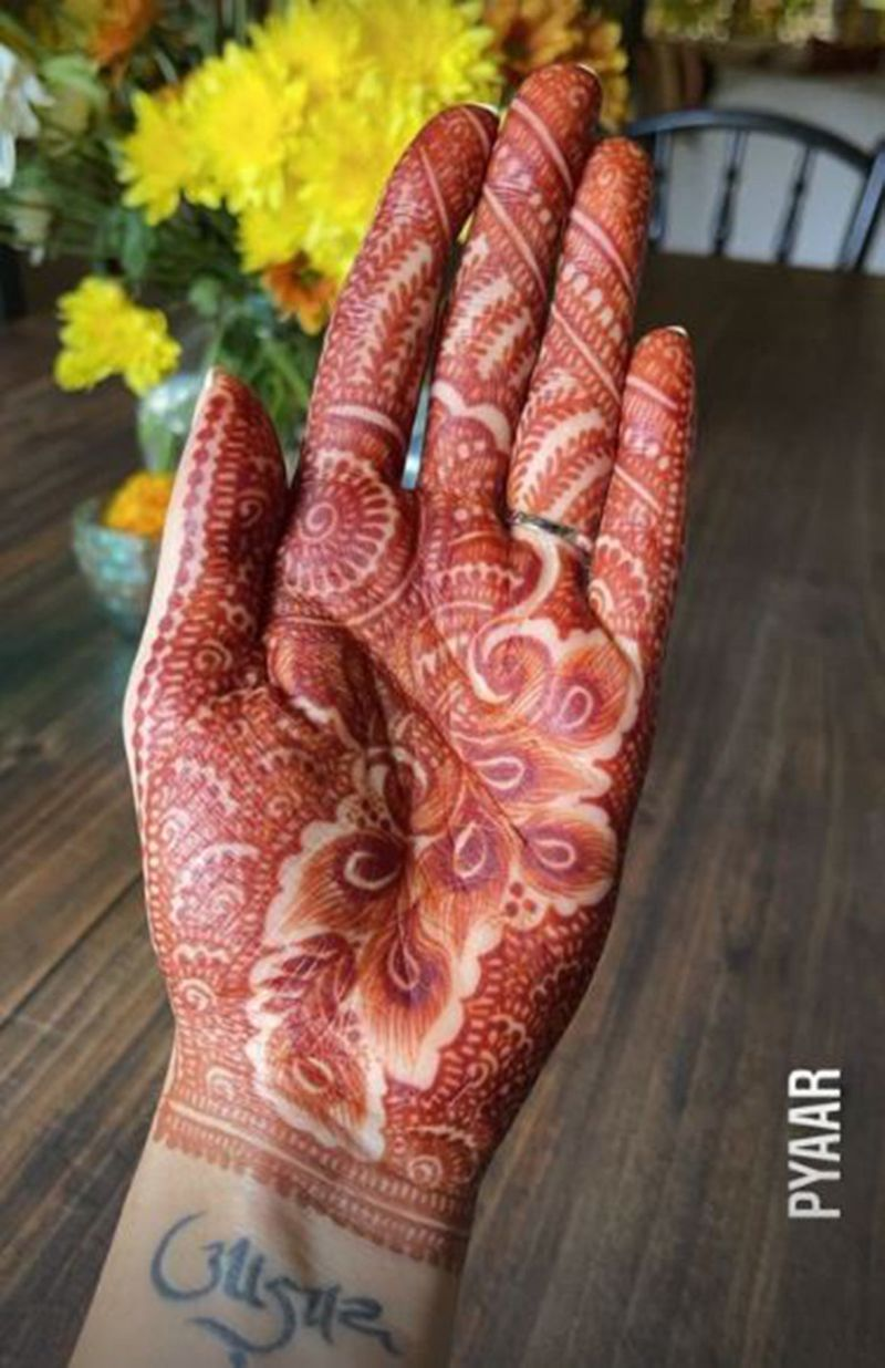 Dia Mirza henna-1613381388055
