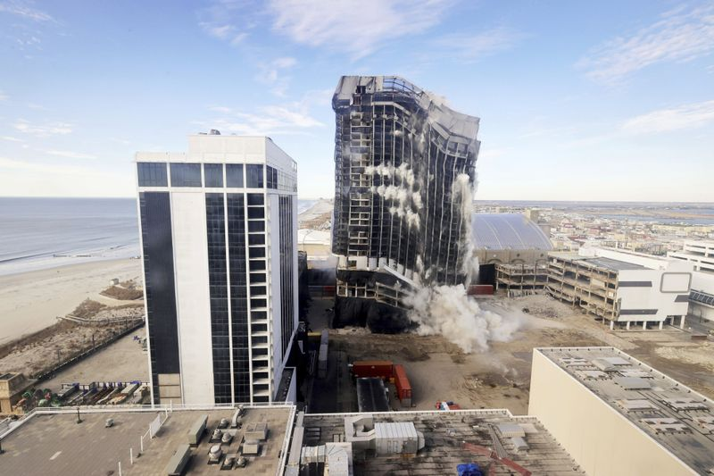 Copy of Ex_Trump_Casino_Implosion_47050.jpg-60214-1613620904762
