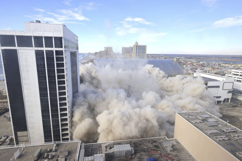 Copy of Ex_Trump_Casino_Implosion_70301.jpg-946c6-1613620916333
