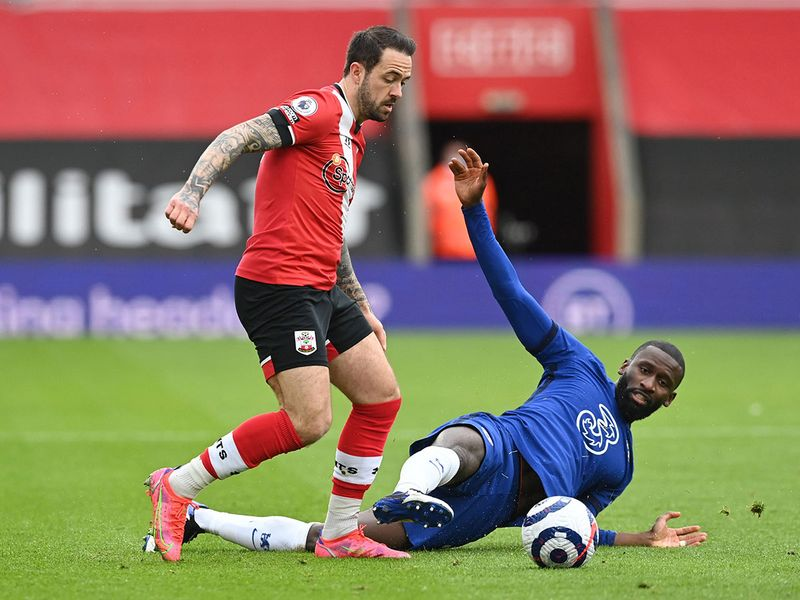 Southampton's Danny Ings in action with Chelsea's Antonio Rudiger