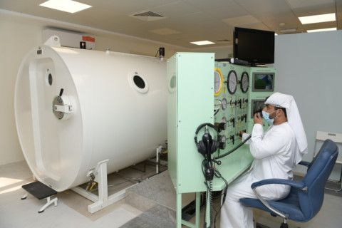 Dubai Police treat 26 cases in the oxygen pressure chamber 1-1613815537824