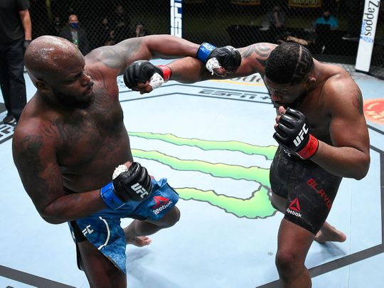 Derrick Lewis and Curtis Blaydes trade punches UFC Fight Night