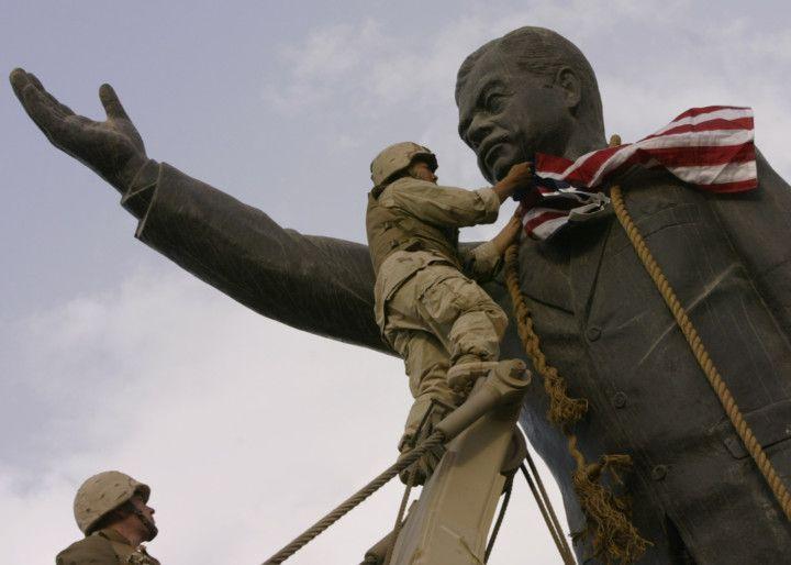IRAQ Saddam statue 1-1613990760126
