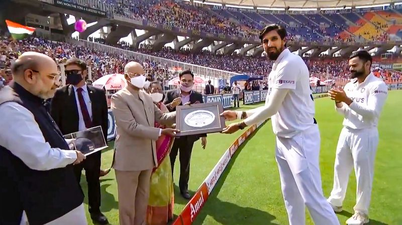 President Ram Nath Kovind and Union Home Minister Amit Shah felicitates Indian cricketer Ishant Sharma, ahead of the 3rd test cricket match between India and England, during the inauguration of  Sardar Vallabhbhai Patel Sports Enclave at Motera Stadium in Ahmedabad.