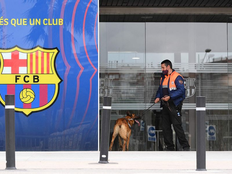 A security guard reportedly entered the building with a dog during the raid.