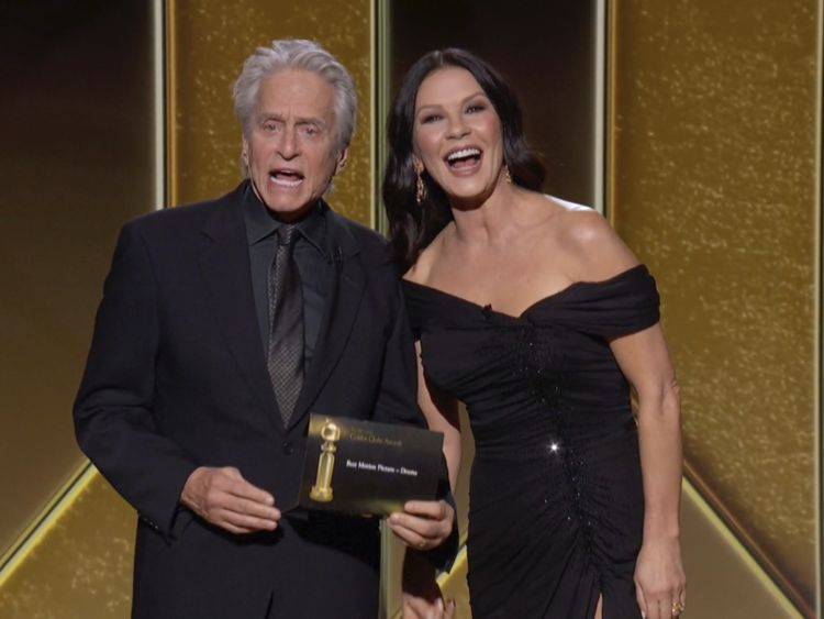 Copy of 2021_Golden_Globe_Awards_19718.jpg-37f16-1614576103981