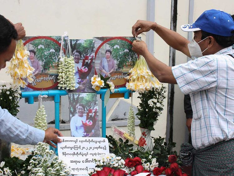 Myanmar protesters tribute
