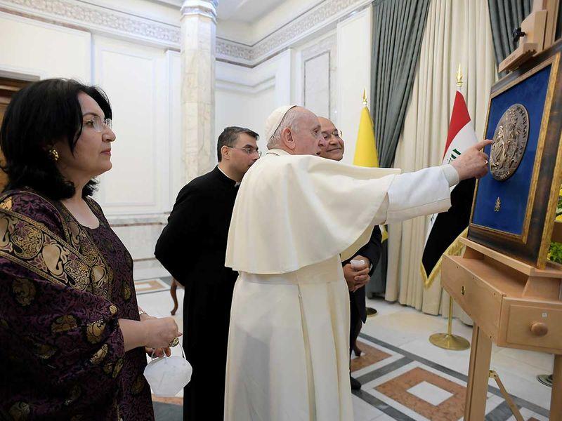 Iraqi President Barham Salih and Pope Francis