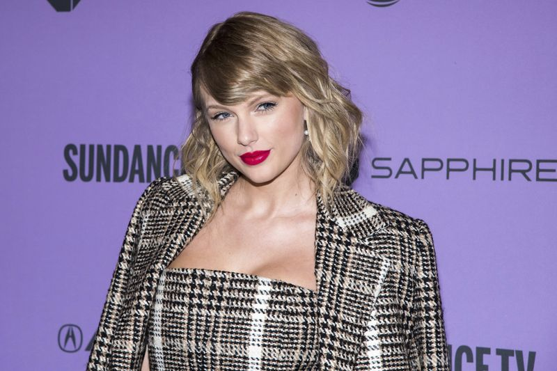 Taylor Swift Grammy-1615181112580