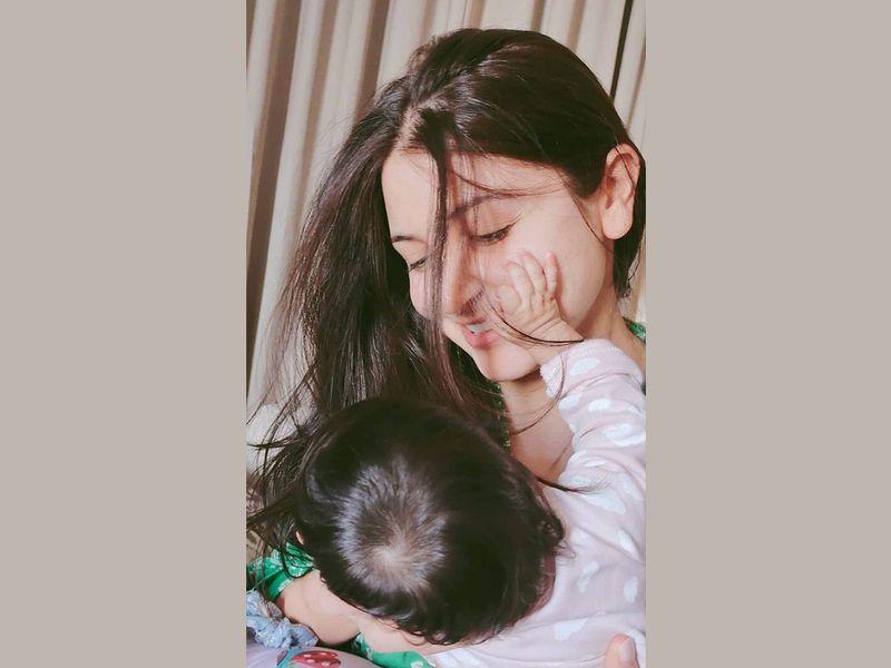 Virat Kohli shares endearing picture of Anushka Sharma with their daughter Vamika