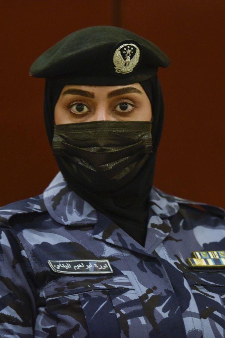 NAT 210228 SHJ FEMALE SWAT ARAMZAN 5-1615267284883