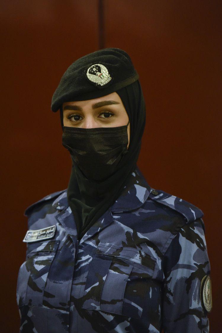 NAT 210228 SHJ FEMALE SWAT ARAMZAN 7-1615267290095