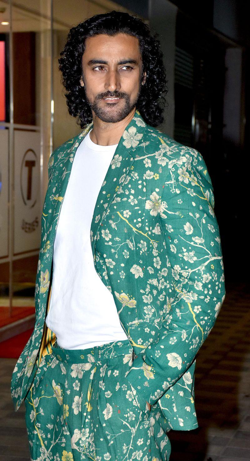 Maharashtra, March 19 (ANI): Bollywood actor Kunal Kapoor spotted at Juhu, in Mumbai on Thursday. (ANI Photo)