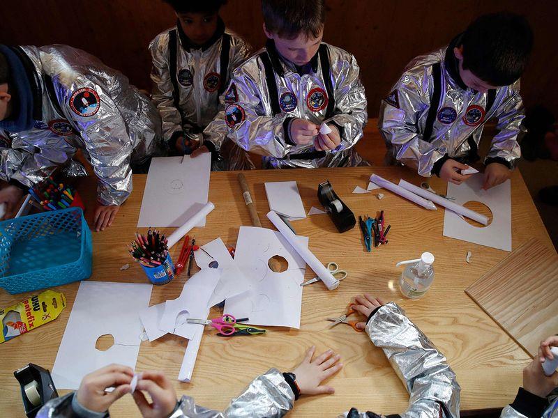 Swiss kids Mars gallery