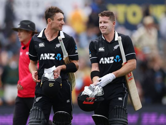 New Zealand's Henry Nicholls (R) and Will Young