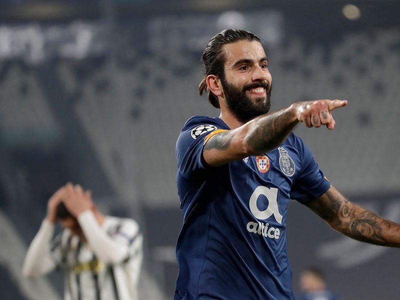 Sergio Oliveira for Porto.
