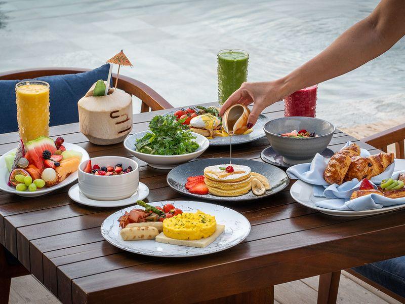 Cove beach breakfast