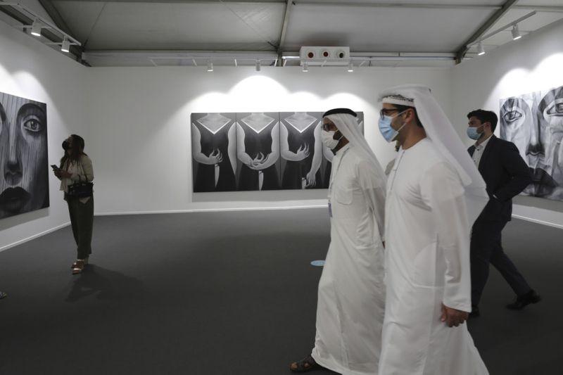 ART DUBAI 9-1617196991793