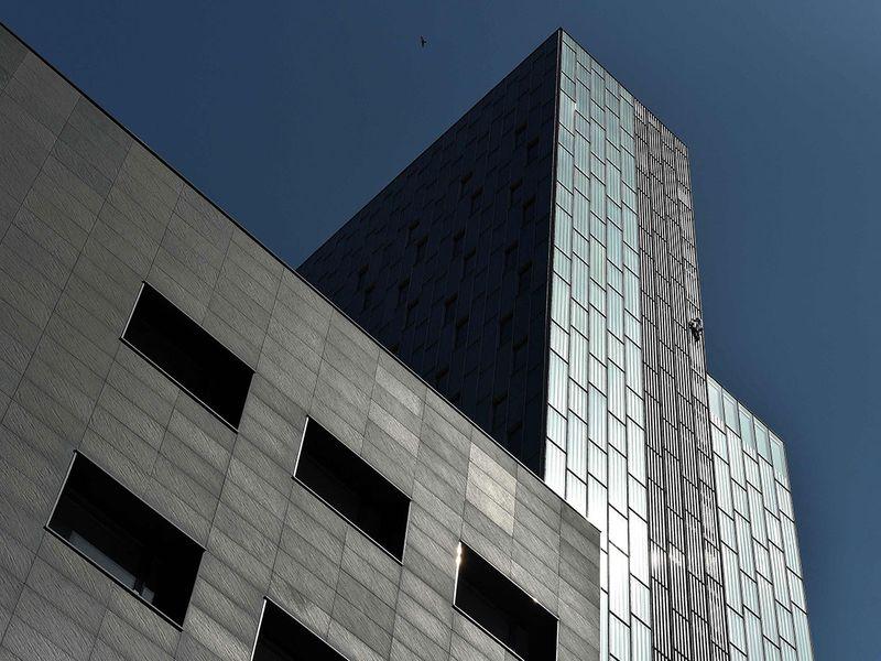 Skyscraper daredevil gallery