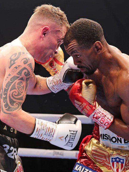 Emirates_Boxing_Herring_Frampton_43114