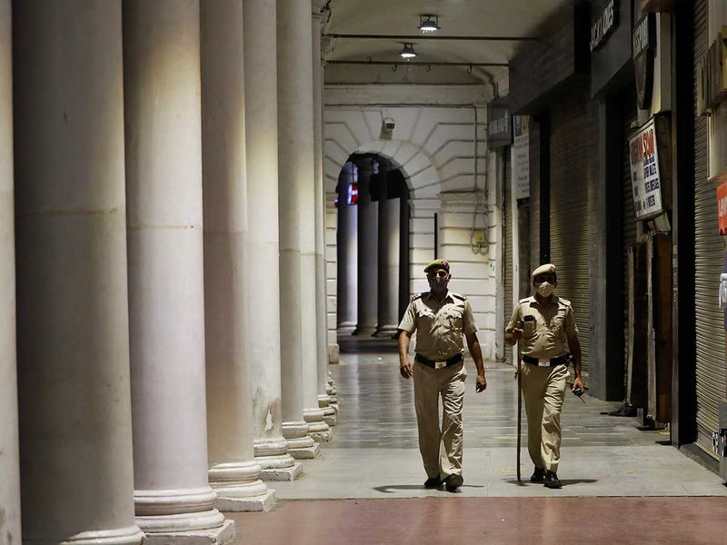 Police india covid lockdown delhi