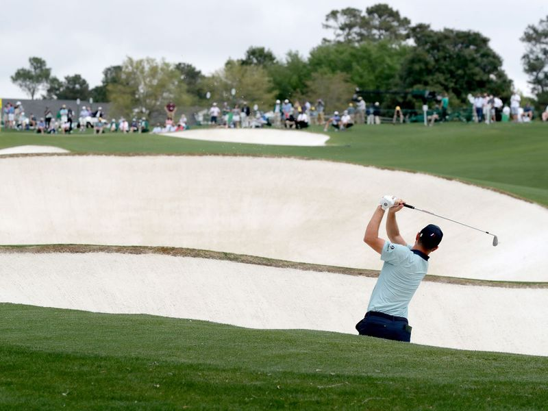 Masters at Augusta: Justin Rose wilts, pack closes in on leader