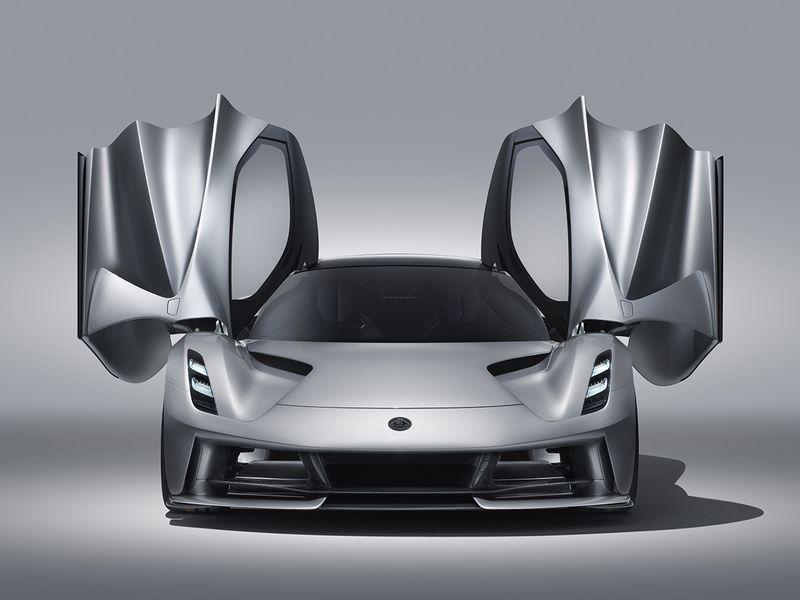 Geely's iconic Lotus Cars mulls raising $1 billion