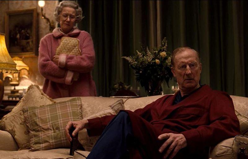 Helen Mirren and James Cromwell in The Queen