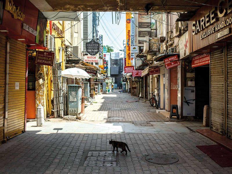 20210418 deserted market in India