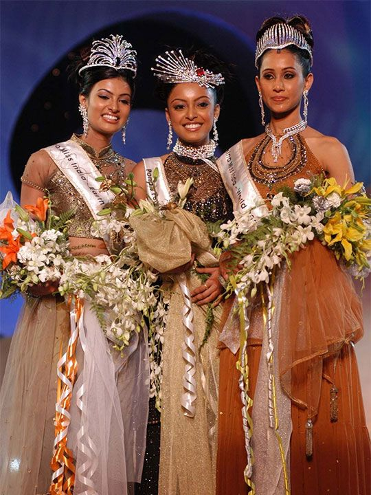 Ms Sayali Bhagat on the left, Centre - Tanushree Dutta and on the right Lakshmi Pandit