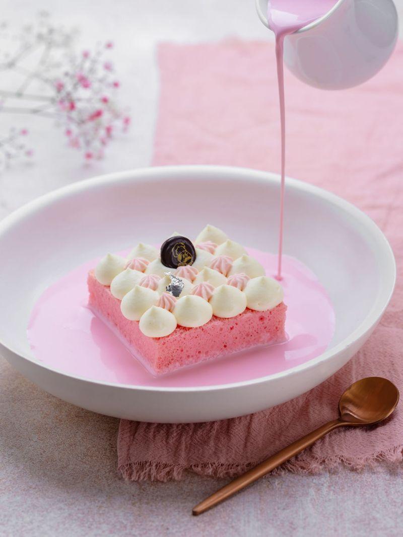 Rose Cake Mister Baker