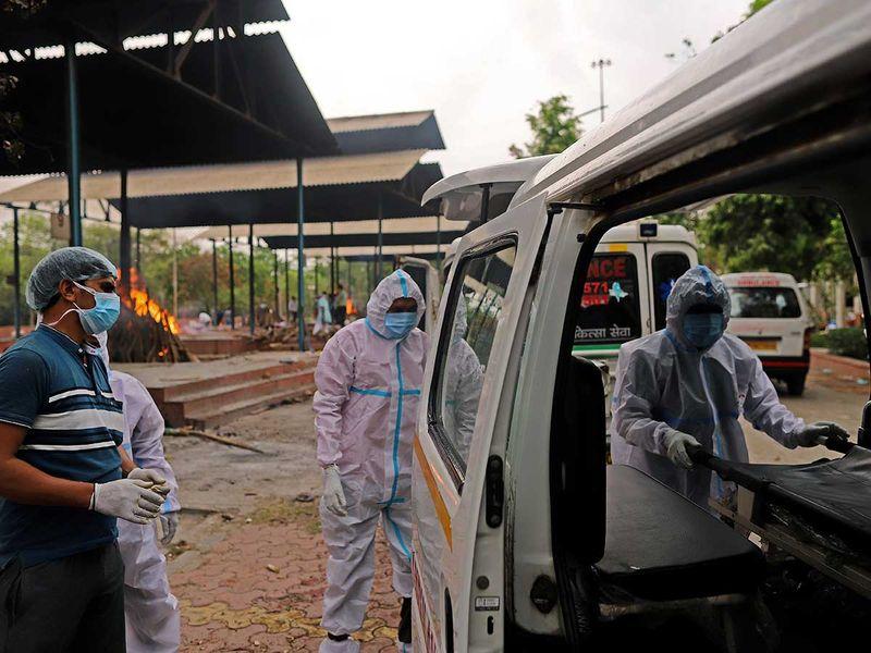 ambulance india covid crematorium delhi