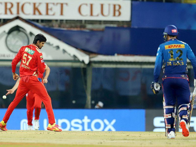 Quinton de Kock departs for Mumbai against Punjab