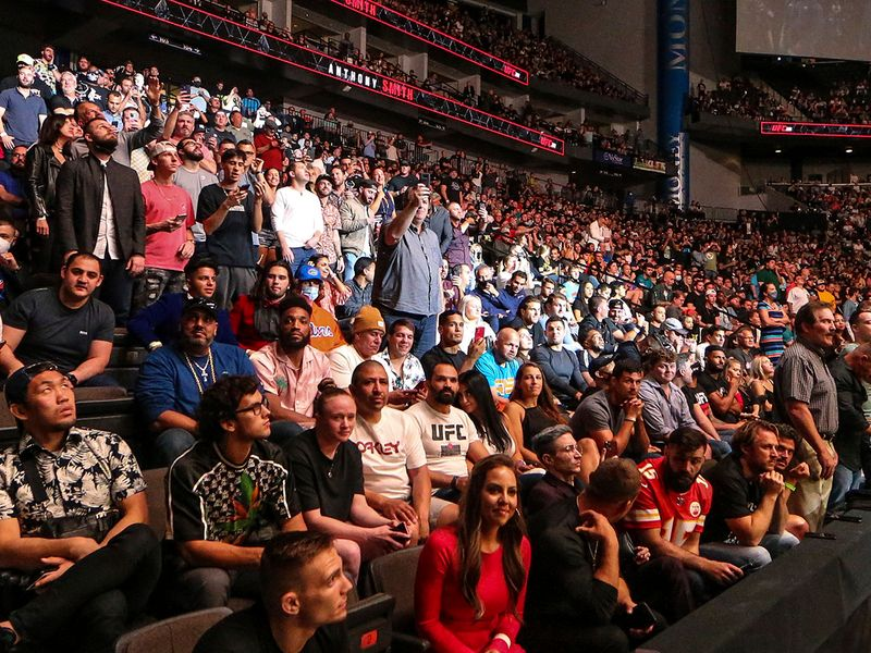 Capacity crowd for UFC 261.