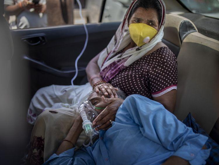 Copy of APTOPIX_Virus_Outbreak_India's_Oxygen_Crisis_Photo_Gallery_29603.jpg-0294f [1]-1619327312147